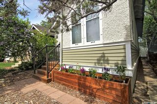 Photo 2: 212 24th Street West in Saskatoon: Caswell Hill Residential for sale : MLS®# SK856514