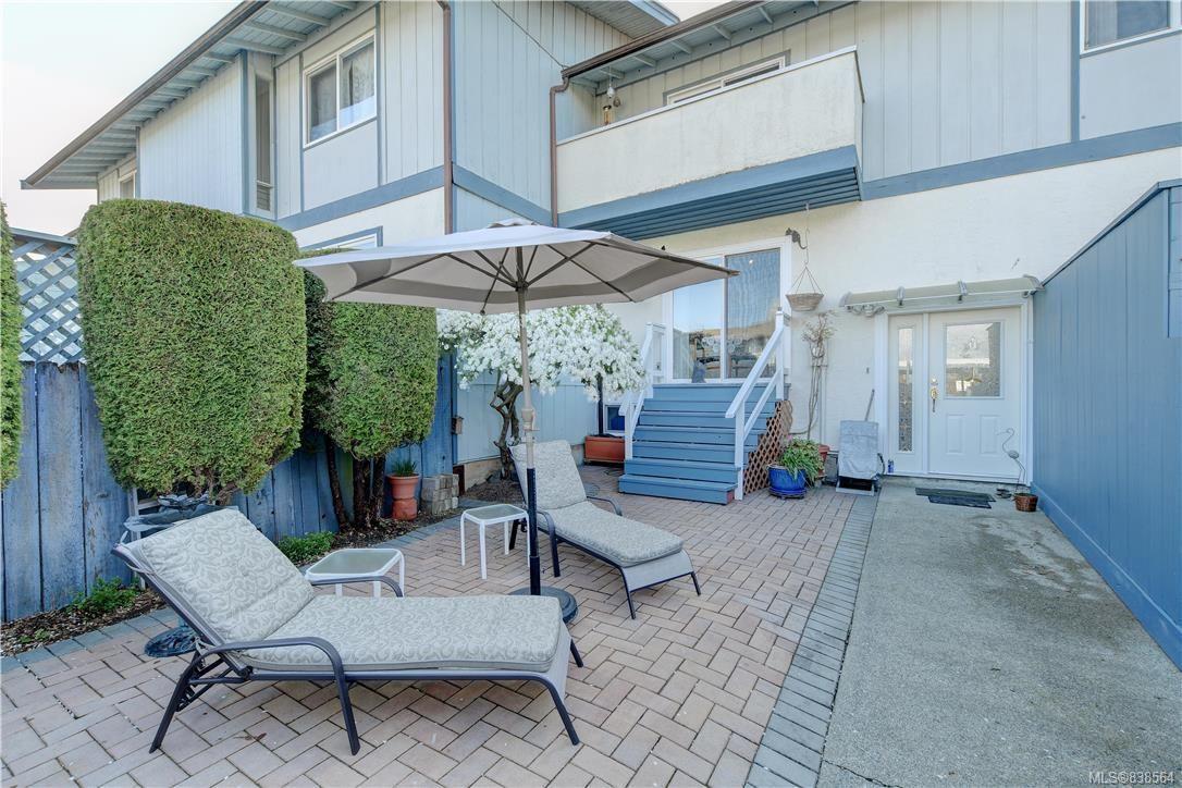 Main Photo: 50 3987 Gordon Head Rd in Saanich: SE Gordon Head Row/Townhouse for sale (Saanich East)  : MLS®# 838564