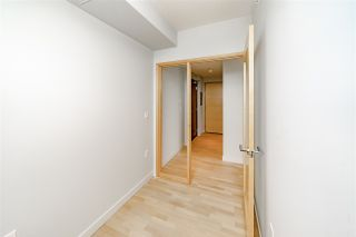 "Photo 15: 4605 13495 CENTRAL Avenue in Surrey: Whalley Condo for sale in ""3 Civic Plaza"" (North Surrey)  : MLS®# R2379820"