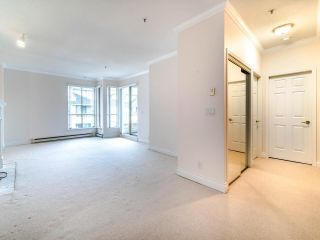 """Photo 12: 305 3766 W 7TH Avenue in Vancouver: Point Grey Condo for sale in """"THE CUMBERLAND"""" (Vancouver West)  : MLS®# R2583728"""