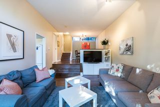 """Photo 3: 3428 WEYMOOR Place in Vancouver: Champlain Heights Townhouse for sale in """"MOORPARK"""" (Vancouver East)  : MLS®# R2116111"""