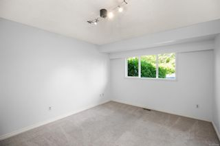 Photo 23: 3192 Shakespeare St in : Vi Oaklands House for sale (Victoria)  : MLS®# 878494