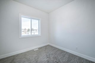 Photo 30: 7940 46 Avenue NW in Calgary: Bowness Semi Detached for sale : MLS®# C4306157