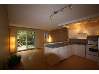 Photo 3: 11 460 W 16TH Avenue in Vancouver: Cambie Townhouse for sale (Vancouver West)  : MLS®# R2467393
