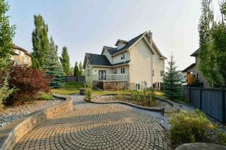Photo 2: 729 MASSEY Way in Edmonton: Zone 14 House for sale : MLS®# E4257161