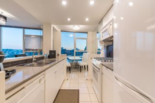 """Photo 9: 2602 939 EXPO Boulevard in Vancouver: Yaletown Condo for sale in """"MAX II"""" (Vancouver West)  : MLS®# R2208593"""