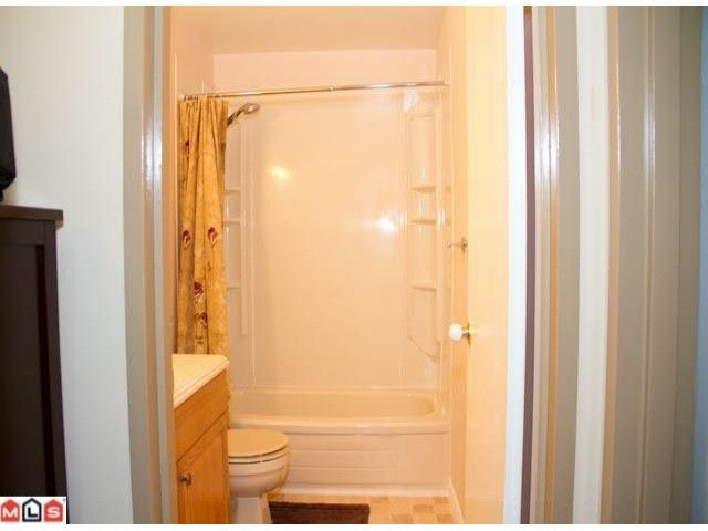 """Photo 7: Photos: 129 13880 74TH Avenue in Surrey: East Newton Townhouse for sale in """"WEDGEWOOD ESTATES"""" : MLS®# F1200797"""