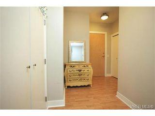 Photo 15: 103 3259 Alder St in VICTORIA: Vi Mayfair Condo for sale (Victoria)  : MLS®# 691053