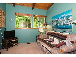 """Photo 10: 4220 CLIFFMONT Road in North Vancouver: Deep Cove House for sale in """"Deep Cove"""" : MLS®# V1081027"""
