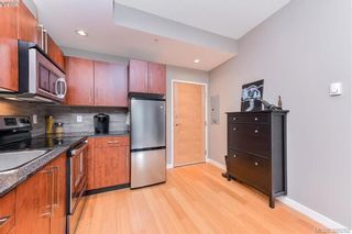Photo 9: 304 611 Brookside Rd in VICTORIA: Co Latoria Condo for sale (Colwood)  : MLS®# 782441