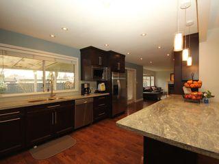 Photo 3: 12483 204 Street in Maple Ridge: Northwest Maple Ridge House for sale : MLS®# R2334396