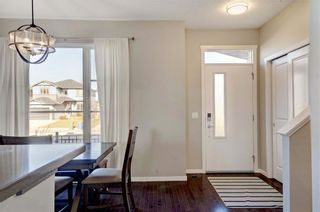 Photo 8: 25 CHAPALINA Square SE in Calgary: Chaparral Row/Townhouse for sale : MLS®# C4273593