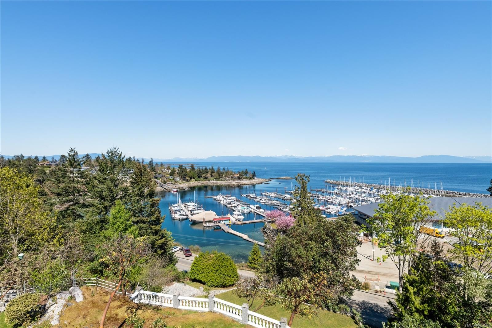 Main Photo: 3483 Redden Rd in : PQ Fairwinds House for sale (Parksville/Qualicum)  : MLS®# 873563