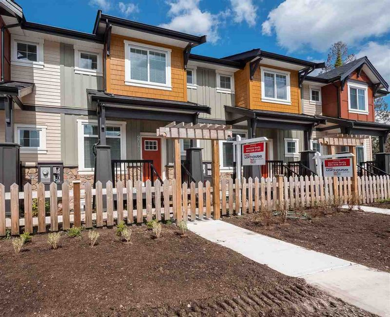 FEATURED LISTING: 20409 82 Avenue Langley