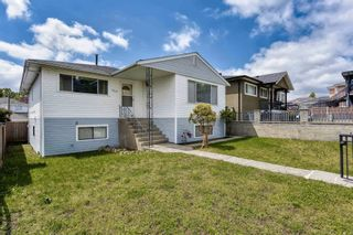 Photo 2: 3422 TANNER Street in Vancouver: Collingwood VE House for sale (Vancouver East)  : MLS®# R2605474