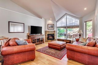 Photo 10: 222 SIGNATURE Way SW in Calgary: Signal Hill Detached for sale : MLS®# A1049165