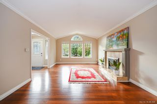 Photo 4: 1728 130 Street in Surrey: Crescent Bch Ocean Pk. House for sale (South Surrey White Rock)  : MLS®# R2618602