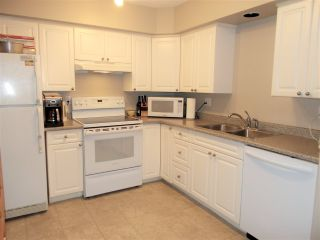 "Photo 5: 304 20556 113 Avenue in Maple Ridge: Southwest Maple Ridge Condo for sale in ""Southwest Maple Ridge"" : MLS®# R2337190"