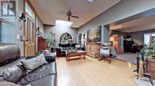 Photo 5: 607 STEPHENS CRES in Oakville: House for sale : MLS®# W5364880