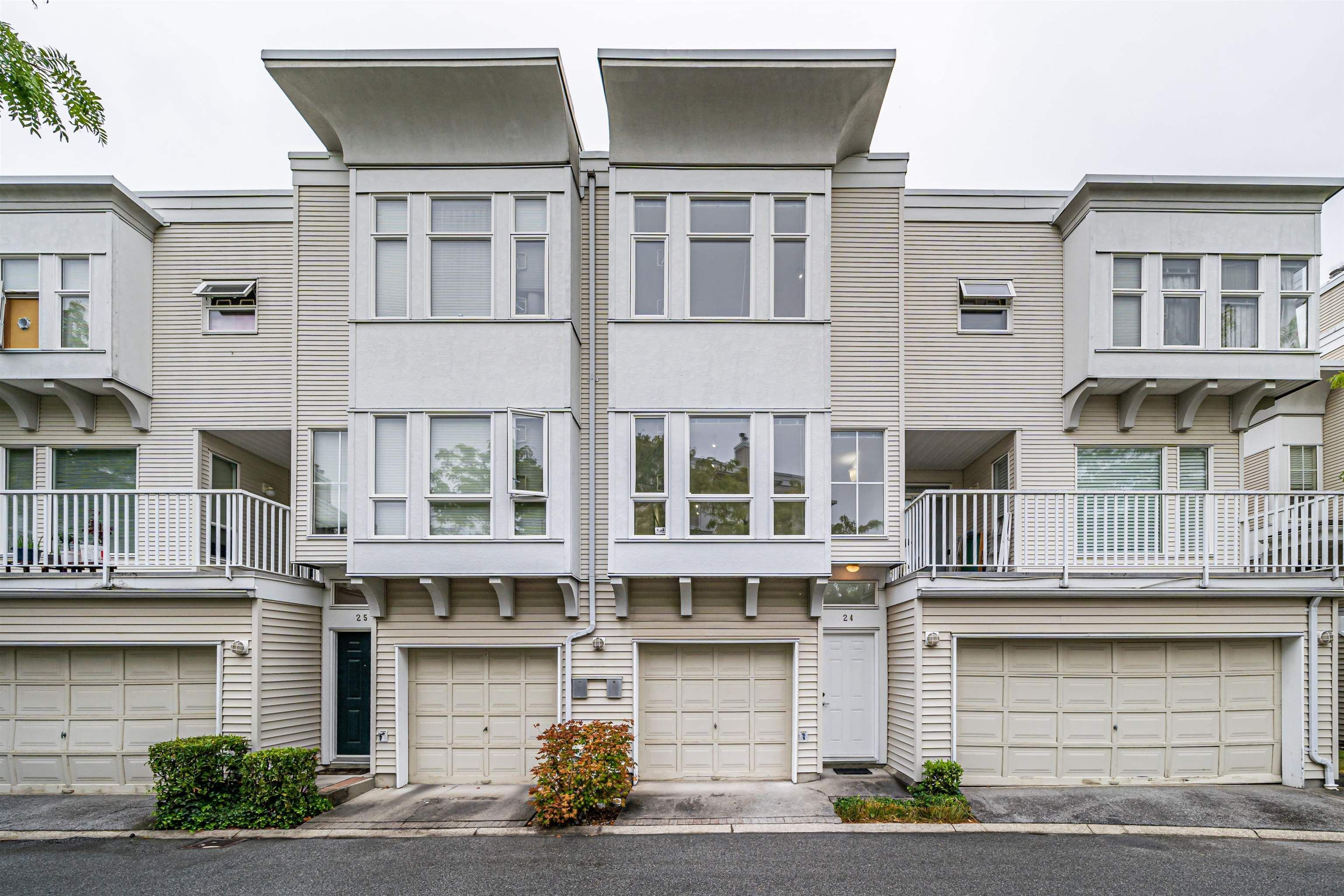 """Main Photo: 24 12331 MCNEELY Drive in Richmond: East Cambie Townhouse for sale in """"Sausulito"""" : MLS®# R2611110"""