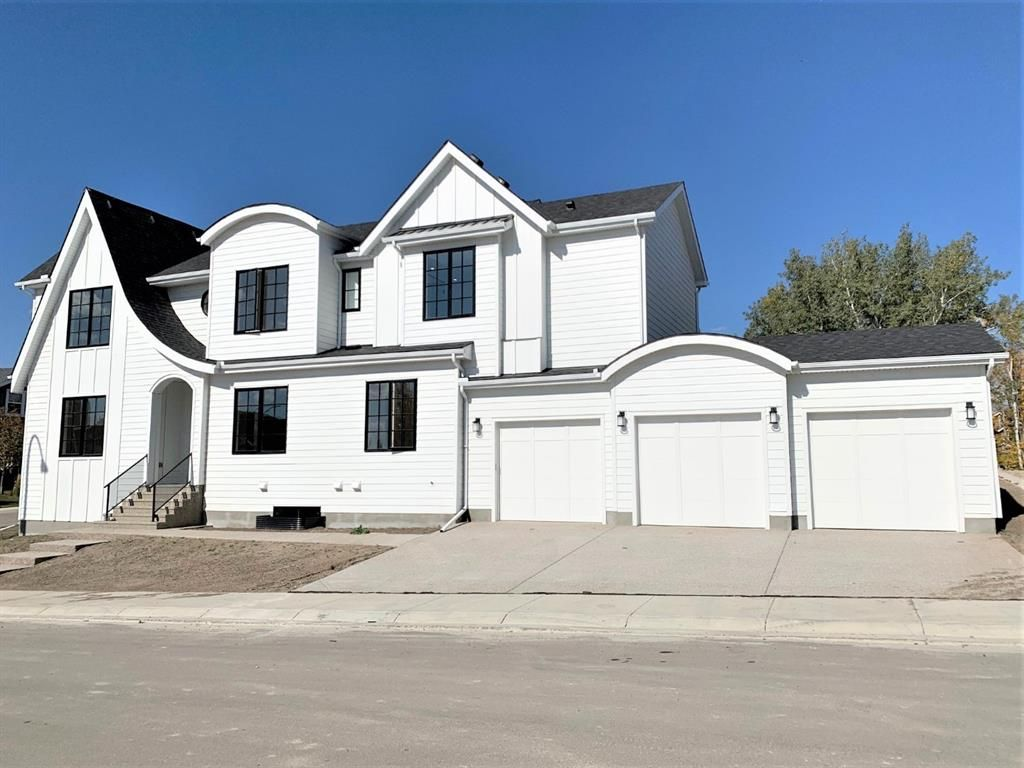 Main Photo: 11 Rockford Park NW in Calgary: Rocky Ridge Detached for sale : MLS®# A1154593