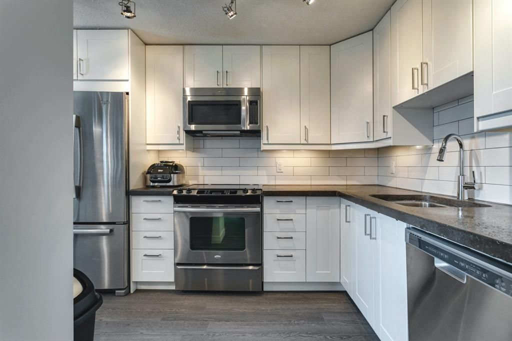 Main Photo: 504 1311 15 Avenue SW in Calgary: Beltline Apartment for sale : MLS®# A1120728