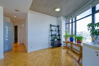 """Photo 17: 2310 128 W CORDOVA Street in Vancouver: Downtown VW Condo for sale in """"WOODWARD W43"""" (Vancouver West)  : MLS®# R2567403"""