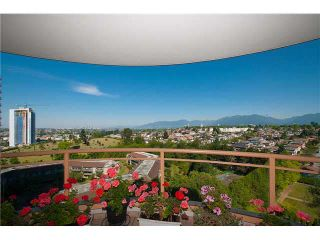 """Photo 1: 1406 4425 HALIFAX Street in Burnaby: Brentwood Park Condo for sale in """"POLARIS"""" (Burnaby North)  : MLS®# V1078745"""