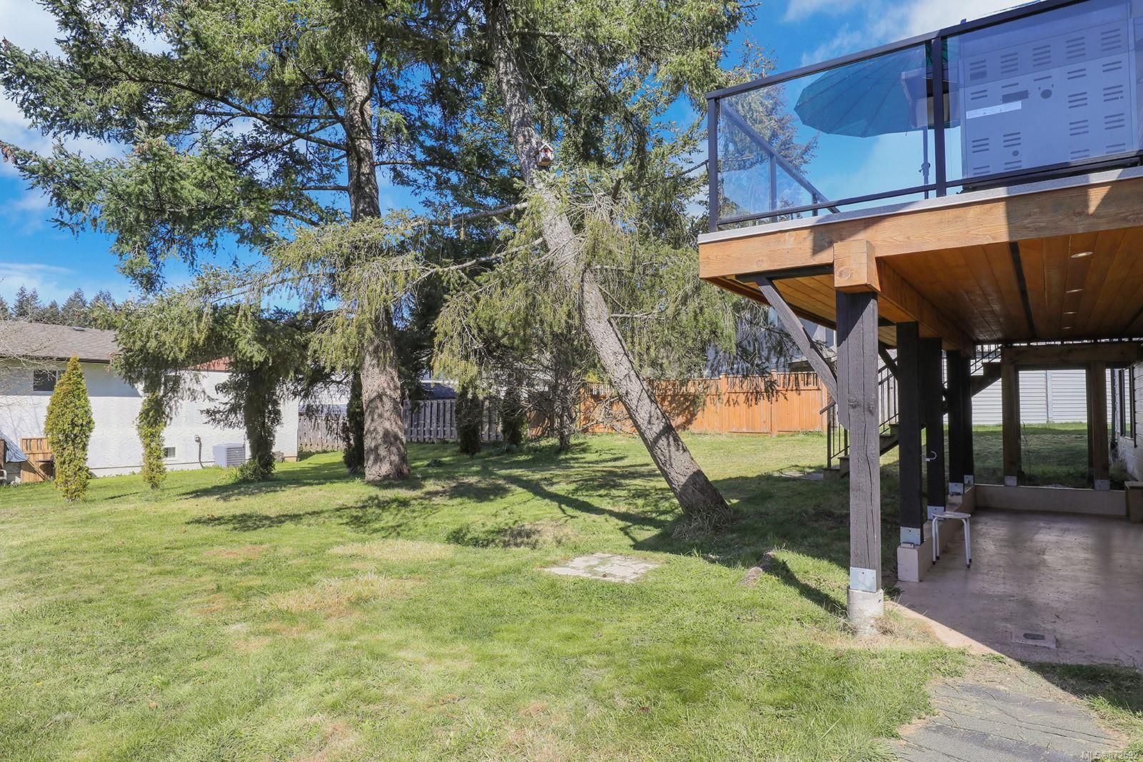 Photo 30: Photos: 1626 Valley Cres in : CV Courtenay East House for sale (Comox Valley)  : MLS®# 872592