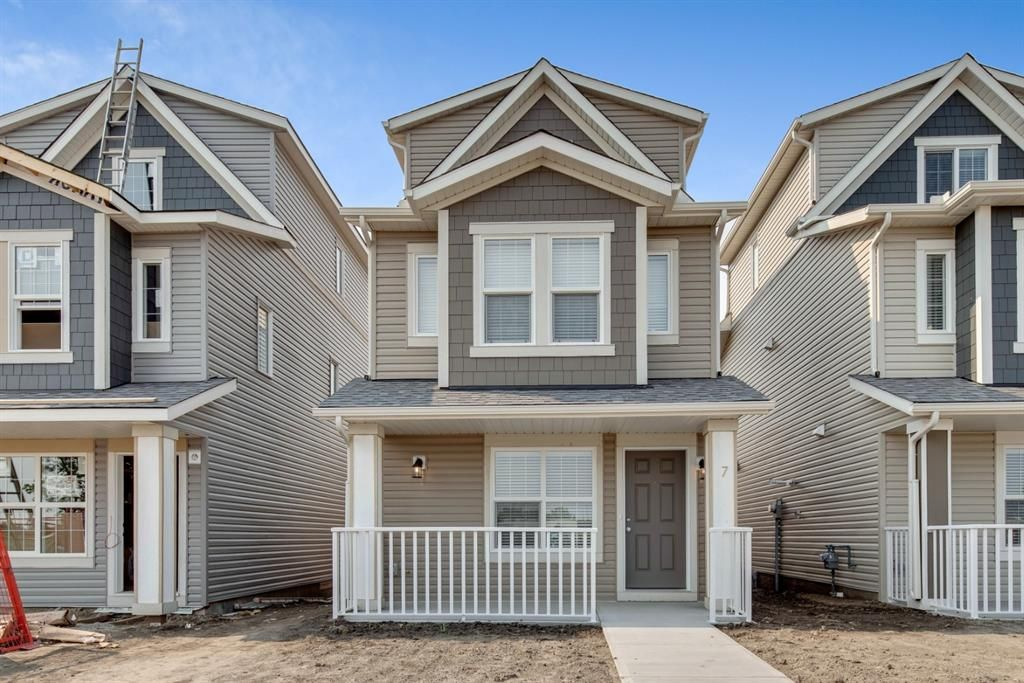 Main Photo: 7 1407 3 Street SE: High River Detached for sale : MLS®# A1129088