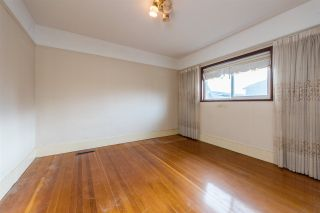 Photo 5: 22 MACDONALD Avenue in Burnaby: Vancouver Heights House for sale (Burnaby North)  : MLS®# R2337869