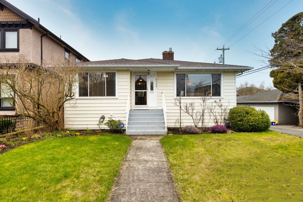 Main Photo: 6529 DAWSON Street in Vancouver: Killarney VE House for sale (Vancouver East)  : MLS®# R2445488