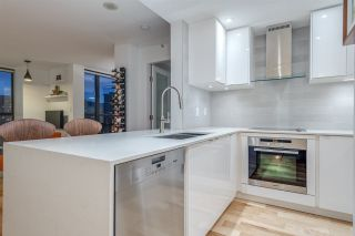 """Photo 14: 1606 1003 PACIFIC Street in Vancouver: West End VW Condo for sale in """"Seastar"""" (Vancouver West)  : MLS®# R2269056"""