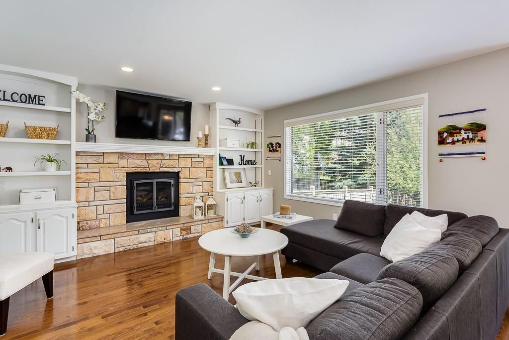 Photo 15: Photos: 115 SIERRA MORENA Circle SW in Calgary: Signal Hill Detached for sale : MLS®# C4299539