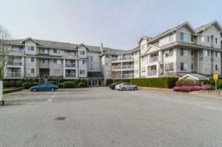 Photo 4: 403 19320 65TH Avenue in Surrey: Clayton Condo for sale (Cloverdale)  : MLS®# F1434977