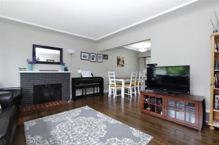 Photo 3: 1956 WESTVIEW Drive in North Vancouver: Hamilton House for sale : MLS®# R2191109