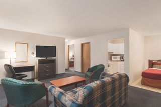 Photo 3: Travelodge Motel with property For Sale in BC: Business with Property for sale