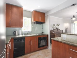 "Photo 3: 201 1595 W 14TH Avenue in Vancouver: Fairview VW Condo for sale in ""Windsor Apartments"" (Vancouver West)  : MLS®# R2488513"