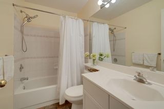 Photo 21: 18 Stradwick Rise SW in Calgary: Strathcona Park Semi Detached for sale : MLS®# A1146925