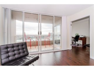 "Photo 11: 1505 1065 QUAYSIDE Drive in New Westminster: Quay Condo for sale in ""QUAYSIDE TOWER II"" : MLS®# V1128596"