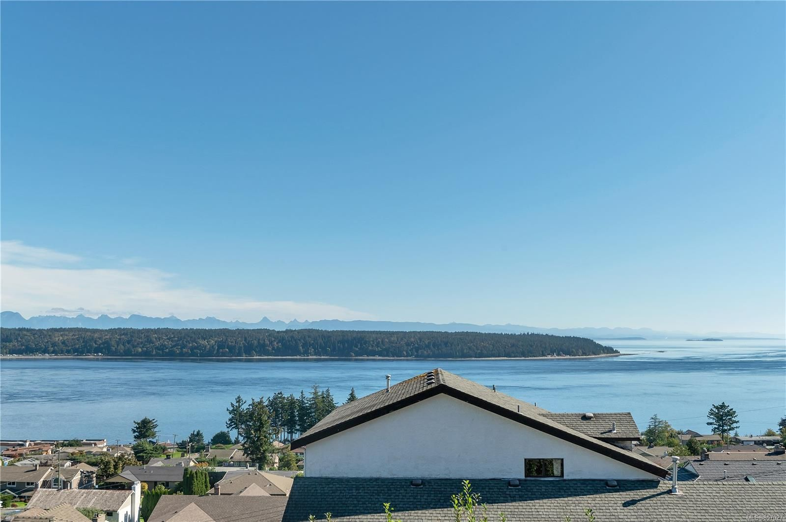 Photo 2: Photos: 253 S Alder St in : CR Campbell River South House for sale (Campbell River)  : MLS®# 857027
