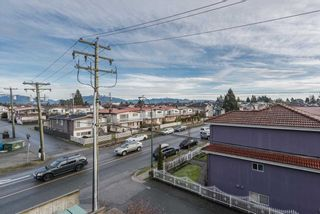 "Photo 10: 311 2008 E 54TH Avenue in Vancouver: Fraserview VE Condo for sale in ""CEDAR 54"" (Vancouver East)  : MLS®# R2232716"