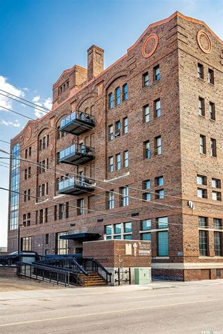 Photo 1: 402 73 24th Street East in Saskatoon: Central Business District Residential for sale : MLS®# SK862716