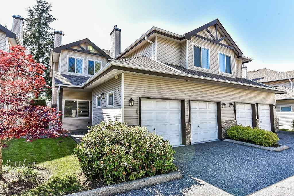 """Main Photo: 9 20750 TELEGRAPH Trail in Langley: Walnut Grove Townhouse for sale in """"Heritage Glen"""" : MLS®# R2267788"""