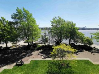 """Photo 7: 305 5 K DE K Court in New Westminster: Quay Condo for sale in """"Quayside Terrace"""" : MLS®# R2366534"""