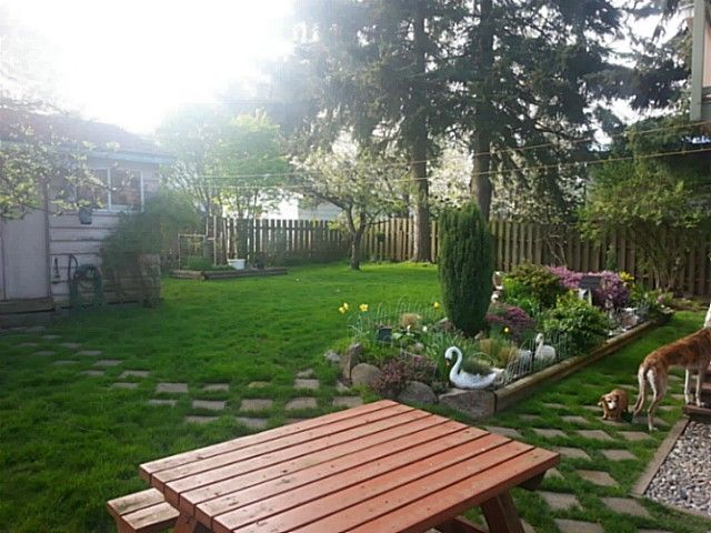 Photo 3: Photos: 1377 PARKER Street: White Rock House for sale (South Surrey White Rock)  : MLS®# F1409548