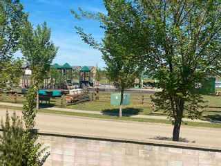 Photo 4: 512 CALDWELL Court in Edmonton: Zone 20 House for sale : MLS®# E4247370