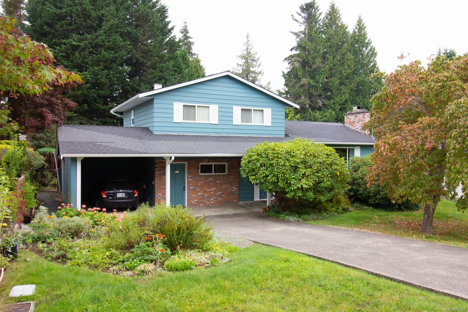 Main Photo: 452 Dogwood Rd in : PQ Qualicum Beach House for sale (Parksville/Qualicum)  : MLS®# 856145