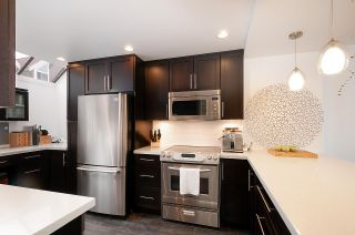 Photo 8: 8 1040 W 7TH Avenue in Vancouver: Fairview VW Townhouse for sale (Vancouver West)  : MLS®# R2401191