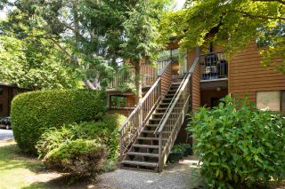 """Photo 1: 1202 10620 150 Street in Surrey: Guildford Townhouse for sale in """"Lincoln's Gate"""" (North Surrey)  : MLS®# R2187176"""